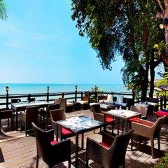 Отель Golden Cliff House Паттайя гостиничный бар