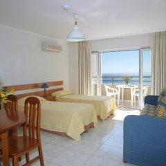 Отель Apartamentos Turisticos Jardins Da Rocha комната для гостей фото 4