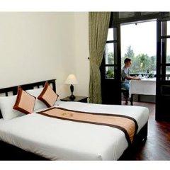 Отель Hoi An Trails Resort сейф в номере