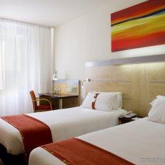 Отель Holiday Inn Express Barcelona City 22@ комната для гостей фото 3