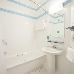 Отель Jurys Inn Эдинбург ванная