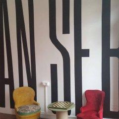 Отель Off Beat Guesthouse Испания, Сан-Себастьян - отзывы, цены и фото номеров - забронировать отель Off Beat Guesthouse онлайн гостиничный бар