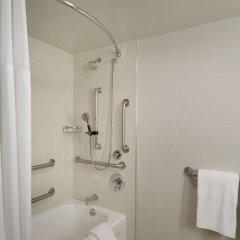 Отель Embassy Suites Columbus Колумбус ванная