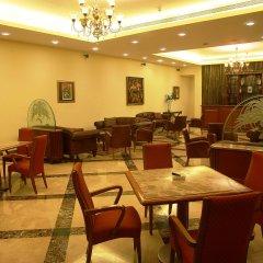Отель The LaLiT Mumbai питание