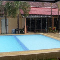 Отель Ricos Bungalows Kata бассейн