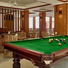 Отель Plumeria Maldives гостиничный бар