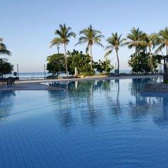 Отель Sunshine Beach Condotel by Komtana На Чом Тхиан бассейн