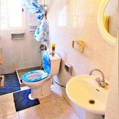 Отель Paphos Inn Hostel Кипр, Пафос - отзывы, цены и фото номеров - забронировать отель Paphos Inn Hostel онлайн ванная фото 2