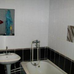 Гостиница Апарт Отель Уют в Ейске отзывы, цены и фото номеров - забронировать гостиницу Апарт Отель Уют онлайн Ейск ванная