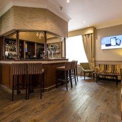 Отель Phoenix Hotel Великобритания, Лондон - 11 отзывов об отеле, цены и фото номеров - забронировать отель Phoenix Hotel онлайн гостиничный бар