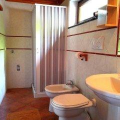 Отель Agriturismo Il Castagno Аджерола ванная фото 2
