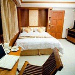 Отель Green Point Resort Бангкок комната для гостей фото 3