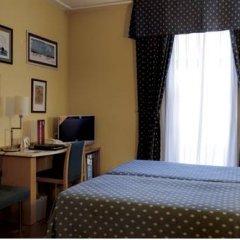 Hotel Inglaterra сейф в номере