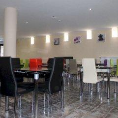 Slina Hotel Brussels бассейн
