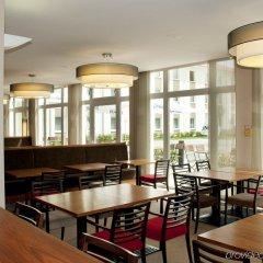 Отель Holiday Inn Express Munich Airport питание