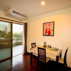 Отель Boss Mansion Бангкок в номере фото 2