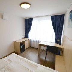 Отель LEU Guest House комната для гостей