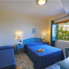 Отель La Pergola Италия, Амальфи - 1 отзыв об отеле, цены и фото номеров - забронировать отель La Pergola онлайн комната для гостей фото 2