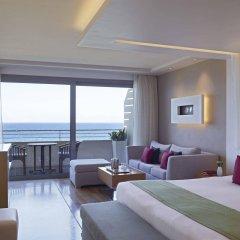 Отель Amathus Elite Suites комната для гостей