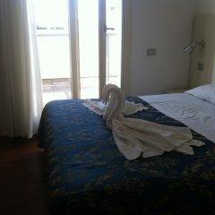 Отель Saint Louis Римини сейф в номере