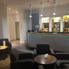 South Milford Hotel гостиничный бар