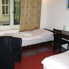 Отель Amelie Berlin Германия, Берлин - 2 отзыва об отеле, цены и фото номеров - забронировать отель Amelie Berlin онлайн комната для гостей фото 5