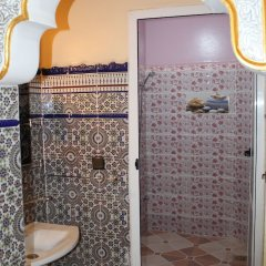 Отель Merzouga luxury apartment Марокко, Мерзуга - отзывы, цены и фото номеров - забронировать отель Merzouga luxury apartment онлайн ванная фото 2
