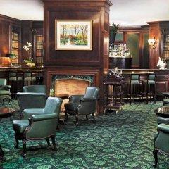Отель Westin Palace Hotel Испания, Мадрид - 12 отзывов об отеле, цены и фото номеров - забронировать отель Westin Palace Hotel онлайн гостиничный бар