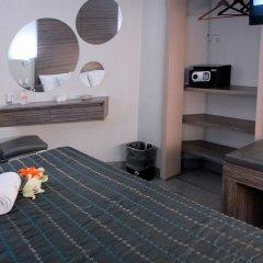Hotel Expo Abastos сейф в номере