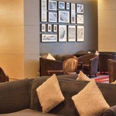 Movenpick Hotel & Apartments Bur Dubai интерьер отеля фото 3