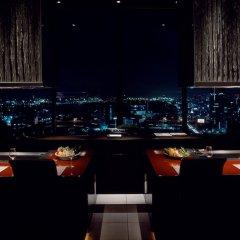 Отель Conrad Tokyo Япония, Токио - отзывы, цены и фото номеров - забронировать отель Conrad Tokyo онлайн балкон