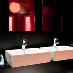 Отель Axel Hotel Berlin Германия, Берлин - 7 отзывов об отеле, цены и фото номеров - забронировать отель Axel Hotel Berlin онлайн ванная фото 2