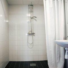 Отель Slottsskogens Vandrarhem & Hotell ванная