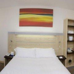 Отель Holiday Inn Express Malaga Airport Испания, Малага - 1 отзыв об отеле, цены и фото номеров - забронировать отель Holiday Inn Express Malaga Airport онлайн комната для гостей