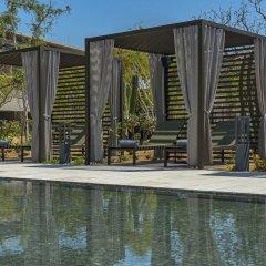 Отель Solaz A Luxury Collection бассейн
