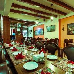 Отель Kathmandu Eco Hotel Непал, Катманду - отзывы, цены и фото номеров - забронировать отель Kathmandu Eco Hotel онлайн питание фото 3