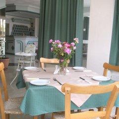 Отель DebbieXenia Hotel Apartments Кипр, Протарас - 5 отзывов об отеле, цены и фото номеров - забронировать отель DebbieXenia Hotel Apartments онлайн питание фото 2