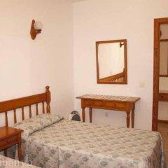 Отель Apartamentos La Cabanya комната для гостей фото 4