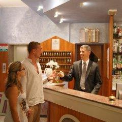 Отель Atlantic Италия, Римини - отзывы, цены и фото номеров - забронировать отель Atlantic онлайн гостиничный бар