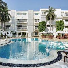 Отель The Claridges New Delhi бассейн