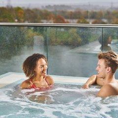 Genting Hotel бассейн