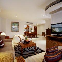 Отель Waterfront Suites Phuket by Centara комната для гостей фото 4