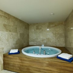 Отель Gallery Palace Грузия, Тбилиси - 8 отзывов об отеле, цены и фото номеров - забронировать отель Gallery Palace онлайн бассейн