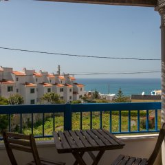 Ericeira Chill Hill Hostel & Private Rooms - Sea Food балкон