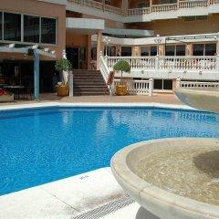 Отель Parasol Garden бассейн