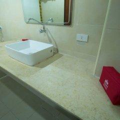 Отель Zen Rooms Surasak 1 Бангкок ванная