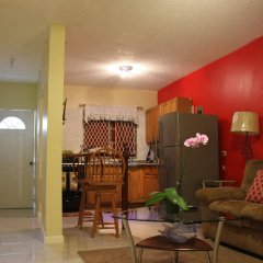 Апартаменты Sunset Strip Acadia Guest Apartment комната для гостей фото 5
