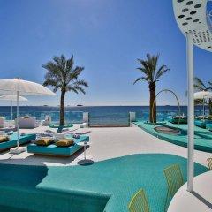 Отель Dorado Ibiza Suites - Adults Only Испания, Сант Джордин де Сес Салинес - отзывы, цены и фото номеров - забронировать отель Dorado Ibiza Suites - Adults Only онлайн бассейн фото 2