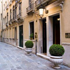 Отель Bellevue & Canaletto Suites Италия, Венеция - отзывы, цены и фото номеров - забронировать отель Bellevue & Canaletto Suites онлайн вид на фасад фото 2