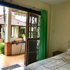 Отель Falang Paradise балкон